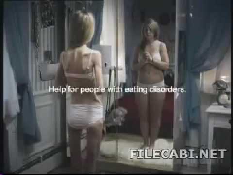 Skinny girl eats fat pussy