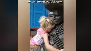 Funny Video Statue Prank
