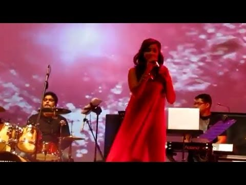 Shreya Ghoshal Stage Show at Doha, Qatar, 2012