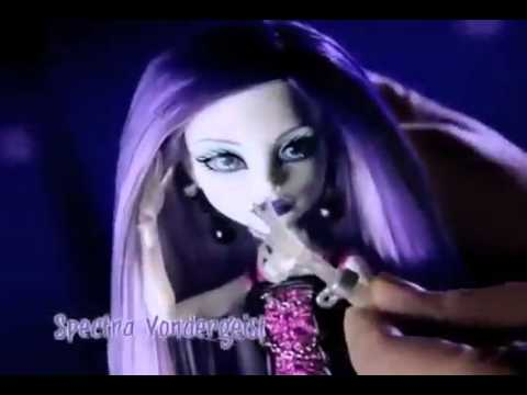 Monster High New Ghouls Abbey Bominable Spectra Vondergeist Clawd Wolf Commercial