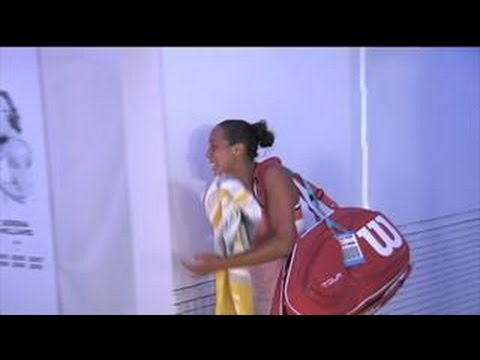 Madison Keys Exits Arena in Tears And Hobbling ►  Emotional Moments ◄ Australia open tennis 2016
