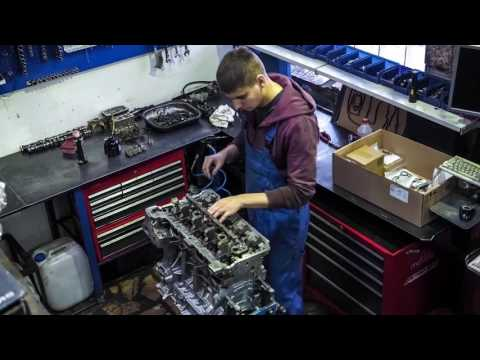 Download Youtube: BMW N20 Engine Rebuild Time Lapse