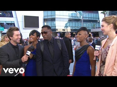 Diddy - Dirty Money - 2010 Red Carpet Interview (American Music Awards)