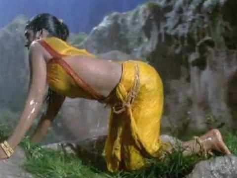 bhanupriya hot in saree and navel showing
