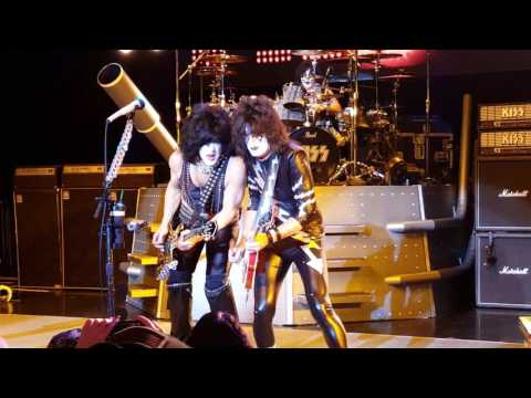 Kiss Kruise VI Keep Me Comin' Indoor Show 1