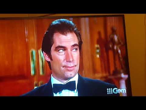 Licence to Kill (1989) Bond meets Sanchez