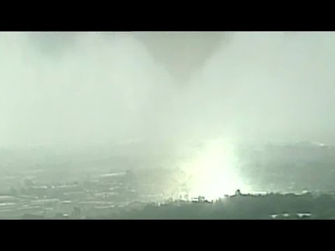 Supercell storm hits Kansas City, Missouri