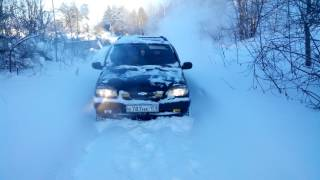Subaru Forester и ШевиНива против снега