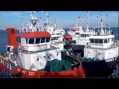 Loading of 16 Tugboats in Singapore. Part 1, from Brumby Shipholdings, filmed by Studio 8 Pte Ltd