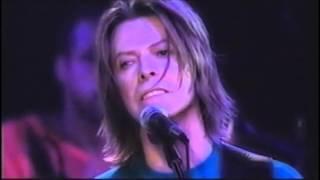 David Bowie – Always Crashing In The Same Car (Live Paris 1999)