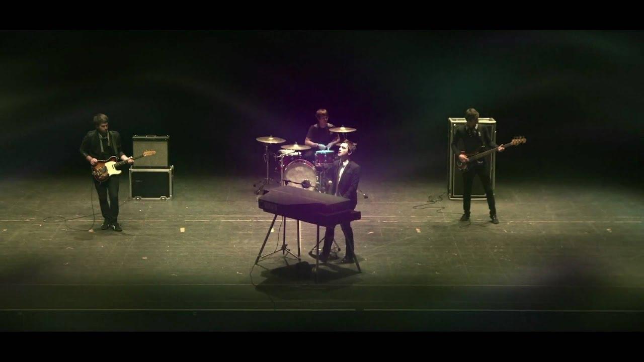 Download Windsor Drive - Fall