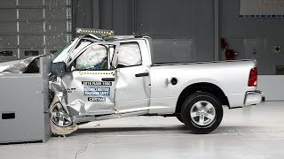 2016 Ram 1500 extended cab driver-side small overlap IIHS crash test