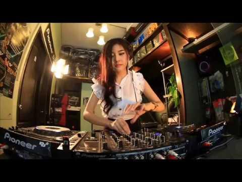DJ SODIK - DISAAT AKU TERSAKITI TERBARU MANTAP NONSTOP 2018 BATAM{{{DJ EMERGENCY FULL BASS}}}