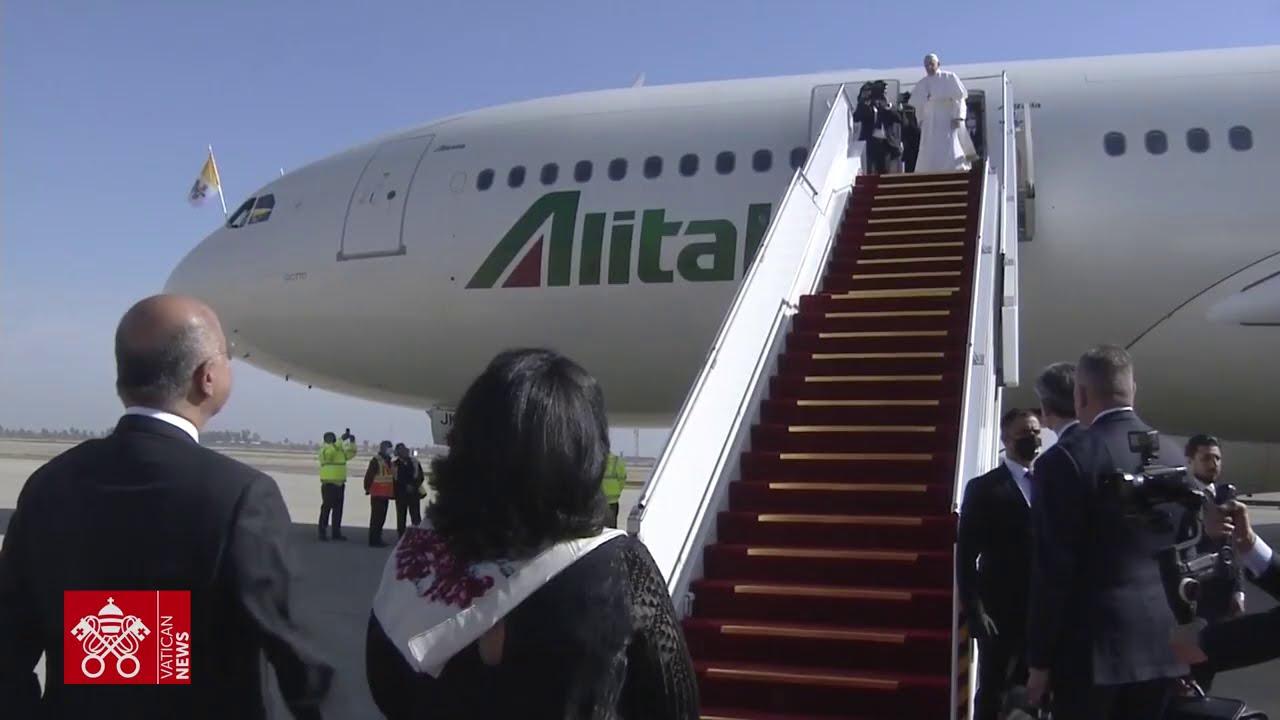 Pope bids farewell to Iraq after a historic visit - Vatican News