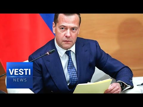 Medvedev: No New Taxes! Good Economic Forecast Also Means Pensions To Receive A Much-Needed Boost!