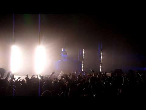 Porter Robinson [FULL SET] @ Oakland Fox Theater 2/24/12 HD 720p [2/2]