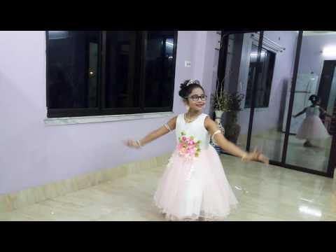 Amader chuti chuti dance!