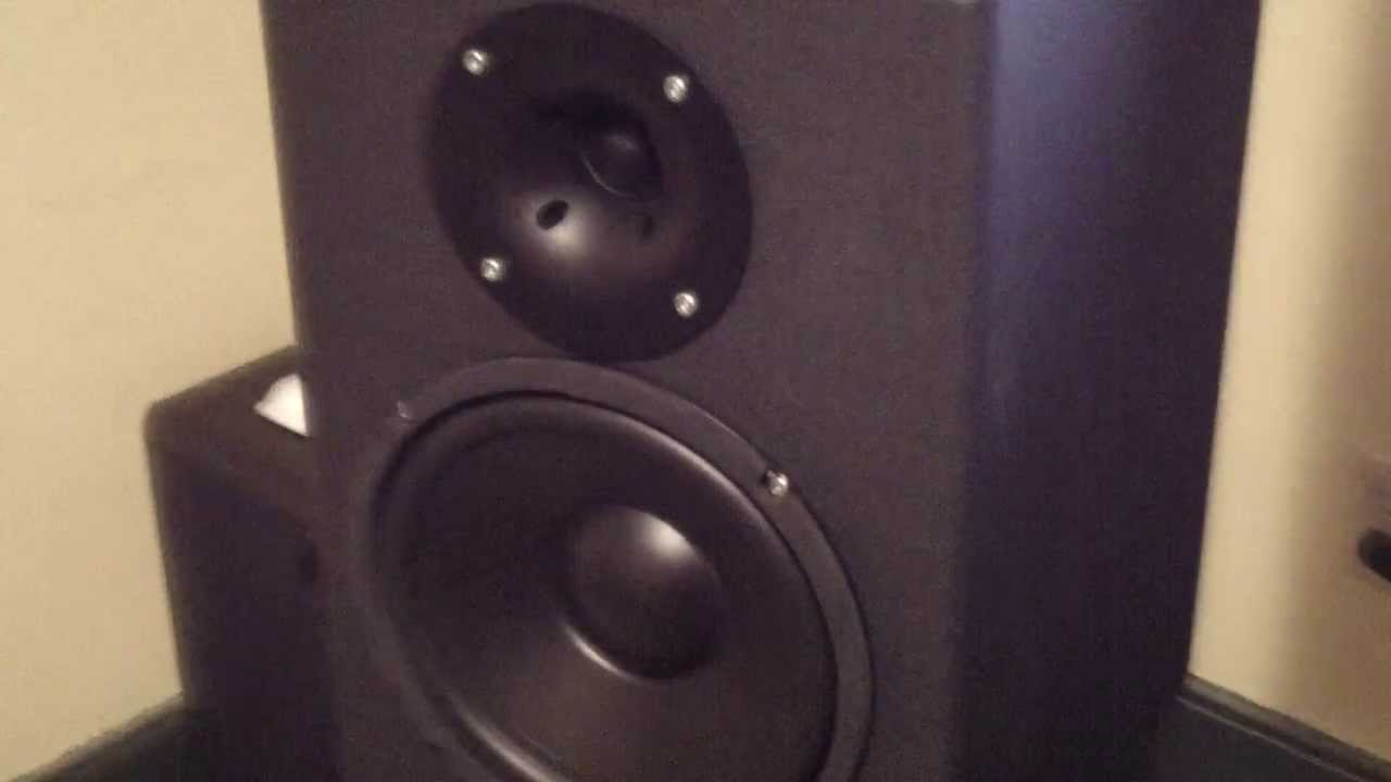 Speaker Audition Review Large Horn Loaded 8 Bookshelf Speakers HQ Stereo