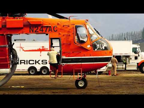 Firefighting Helicopters in Eastern Washington (Sikorsky S-64 Skycrane, Blackhawk)