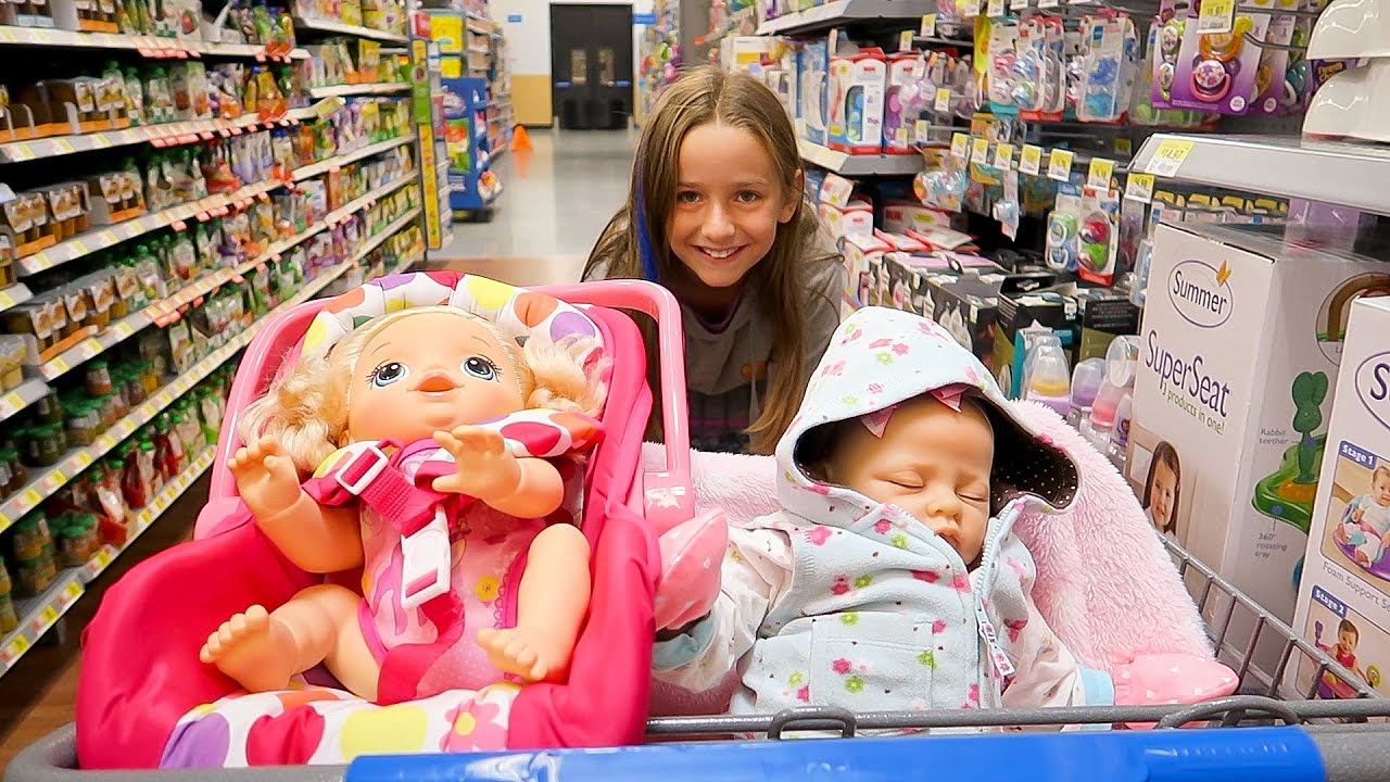 Shopping with Baby Alive Poops and Pees Doll and with ...