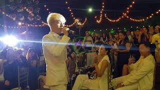 """Đám cưới Khởi My & Kelvin Khánh - """" Đức Phúc hát ánh nắng của anh"""" trong lễ cưới"""