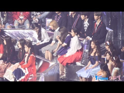 171202        IU TWICE jeongyeon Nayeon fancam by Spinel