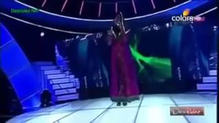 We proud sara raza  khan who perfom this song in india
