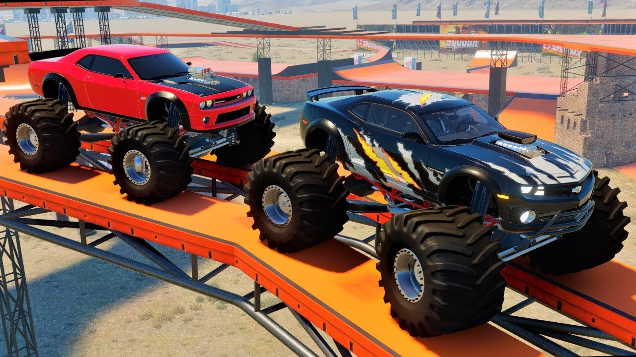 CAMARO E DODGE MONSTER TRUCK ESCALANDO O PLAYGROUND - THE CREW