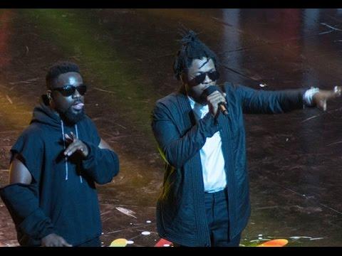 Sarkodie & Runtown - Perform 'Painkiller' 1st time @ VGMA 2017 | Ghana Music.com Video