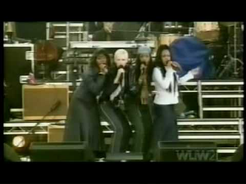 Annie Lennox SISTERS ARE DOIN' IT FOR THEMSELVES 2002