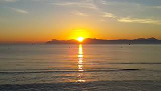 Sunrise at Alcudia beach in Mallorca 마요르카 일출