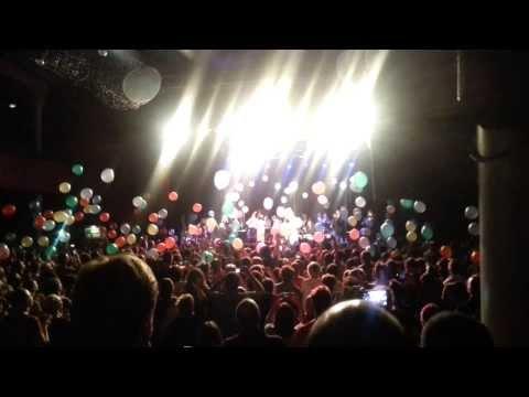 Pink Martini : final du concert au Bataclan - 13/10/13 mp3