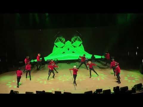 "SEVENTEEN Diamond Edge World Tour in Toronto: Rock My Head & Chuck ""Extra Hot Version""-Mingyu ;)"