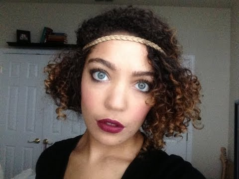 flapper-inspired-hairstyle-on-naturally-curly-hair.