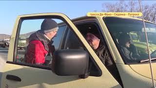 Внедорожник влетел в грузовик с поврежденным колесом на Седанке