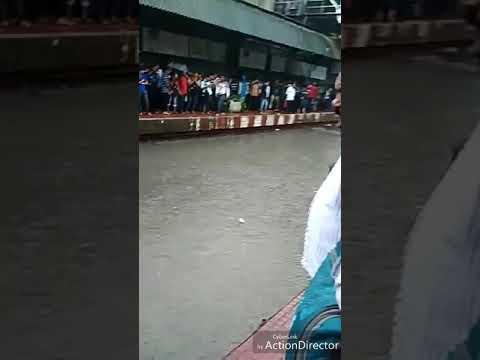 मुबई में बरसात ने मचाई धूम thumbnail