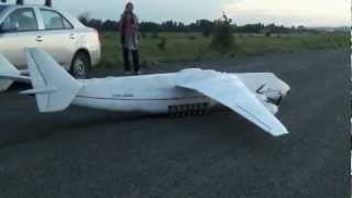 Ан-225 модель из пенопласта - первый полёт(Пробный полёт пенопластовой модели Ан-225. Полный вес 18500 г. 6 моторов с суммарной тягой в 12200 г. 6 аккумулятор..., 2012-06-17T14:36:13.000Z)