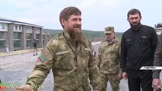 Глава Чечни и директор ФСВНГ РФ ознакомились с деятельностью Российского университета спецназа