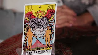 How To Read The Lovers Card | Tarot Cards