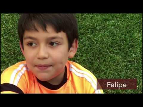 ¿Qué piensan los niños en Costa Rica  sobre cantar himnos de otros países?