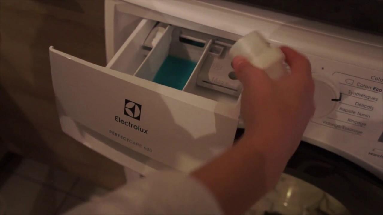 tuto lavage de ma couette avec le lave linge perfect care 600 electrolux youtube. Black Bedroom Furniture Sets. Home Design Ideas
