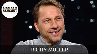 Seit 2008 ist richy müller neben felix klare als tatort-kommissar des swr in stuttgart hauptkommissar thorsten lannert zu sehen. bei harald schmidt spric...