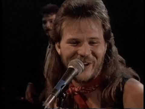 Travis Tritt  Country Club (Better Quality)