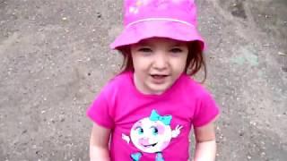 Video for kids Nikita Milana playing funny kids videos