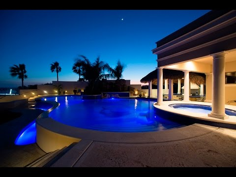 Luxury Waterfront Home for Sale in Gulf Breeze, FL | Luxury