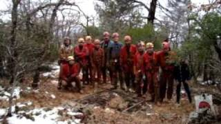 Spéléo secours 13 dans les neiges de la Ste Baume.wmv