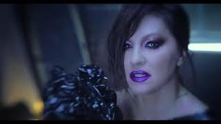 Смотреть клип Nina Badric - Mijenja Se Vrijeme