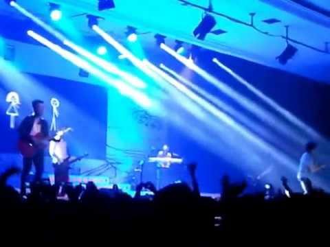 Menghapus Jejakmu mix Viva La Vida - NOAH Live in Yogyakarta (17-10-2012)