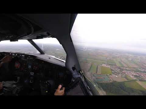 Approach & Landing Vienna, Austria, RW34, Boeing 737-800