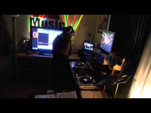 Madman Live on tomdj sunday oldskool Sunday 28th April 2013  wwwjustin.tv.tomdjradio